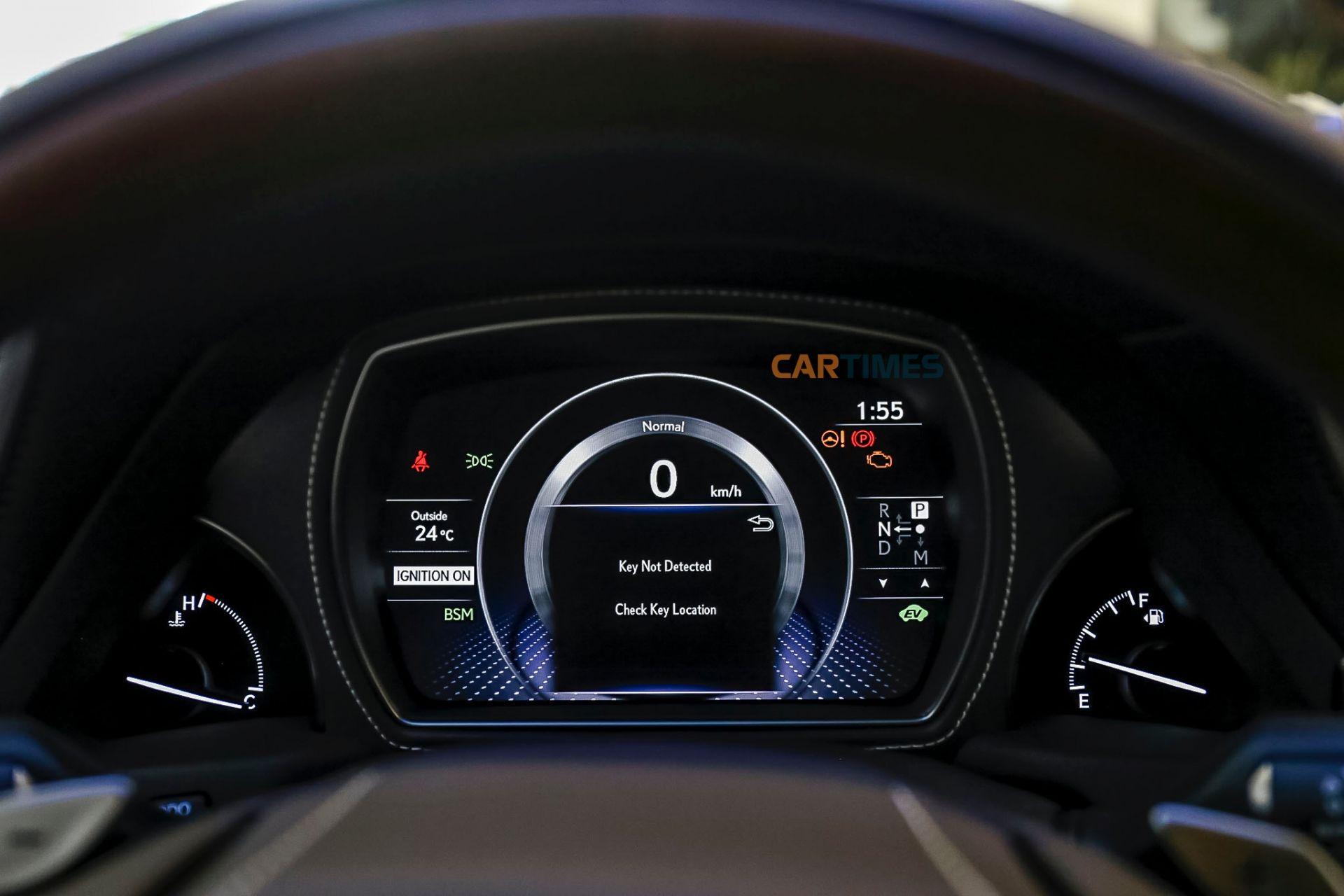 Đồng hồ hiển thị cỡ lớn trên Lexus LS500h 2019
