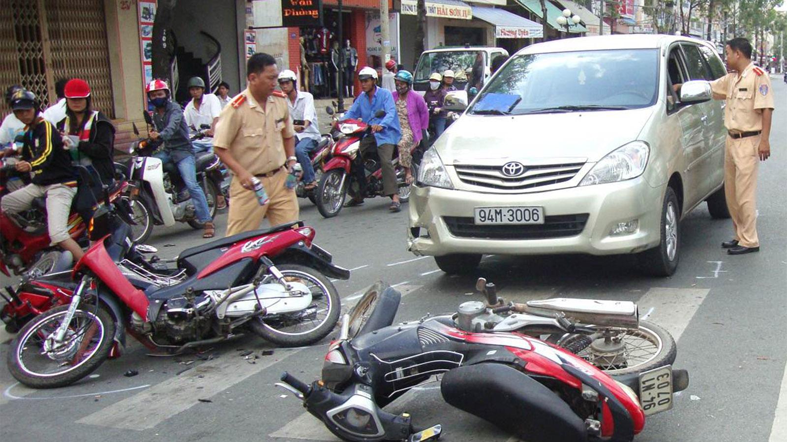 Khi xảy ra tai nạn công ty bảo hiểm phải bồi thường cho chủ xe hoặc người bị thiệt hại