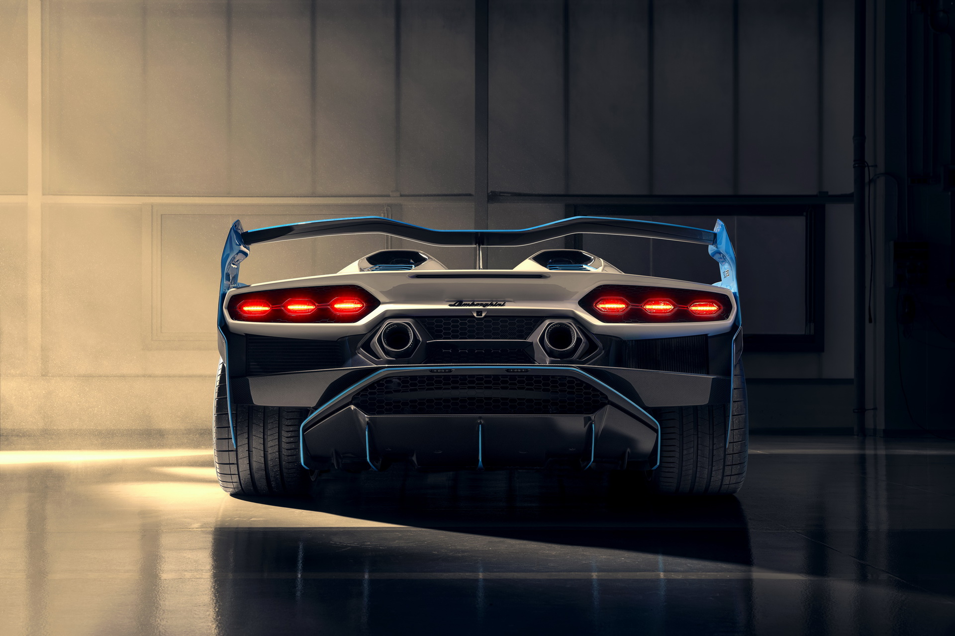 Đuôi xe Lamborghini SC20