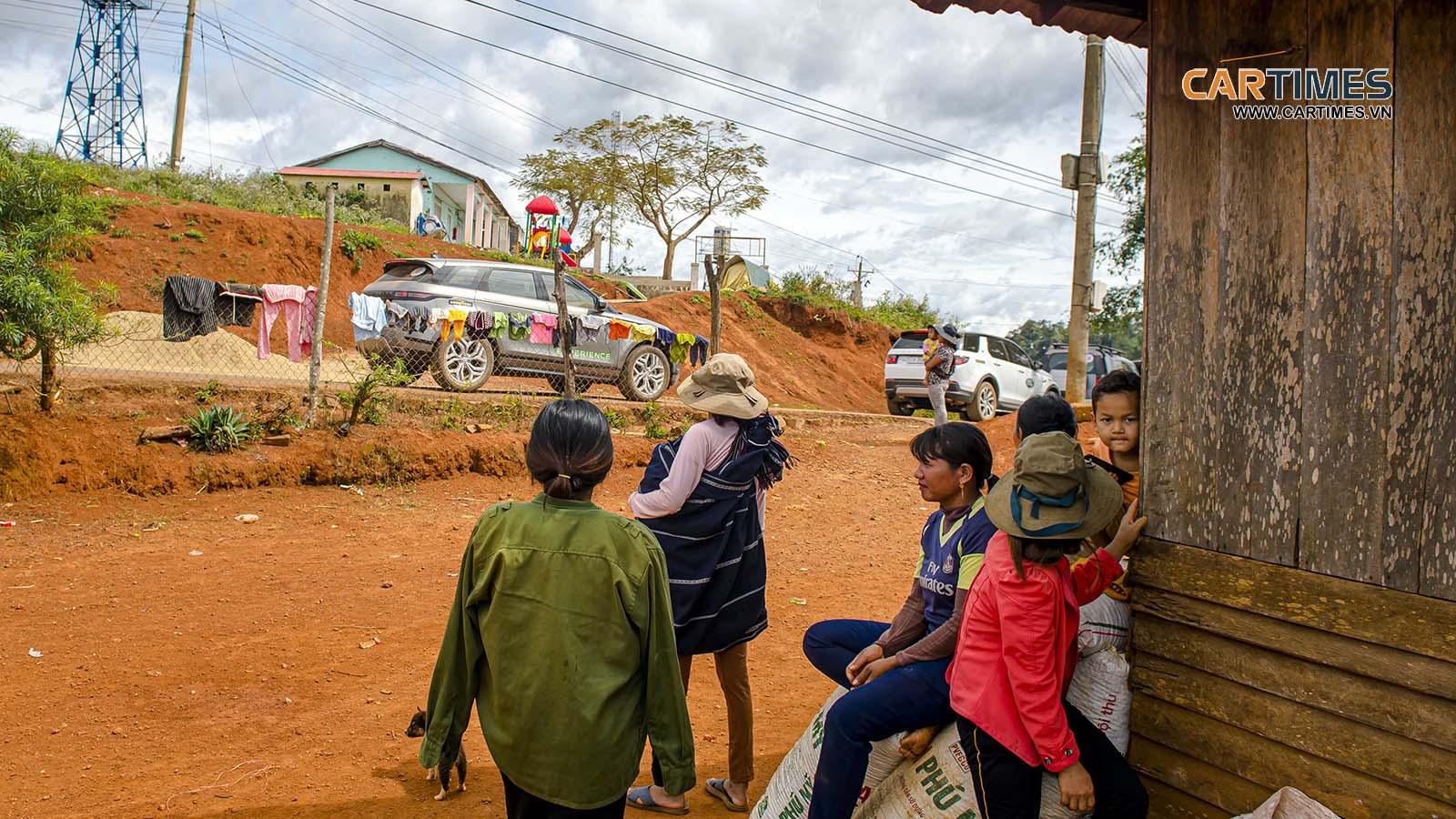Đường đến với những đứa trẻ ở Di Linh