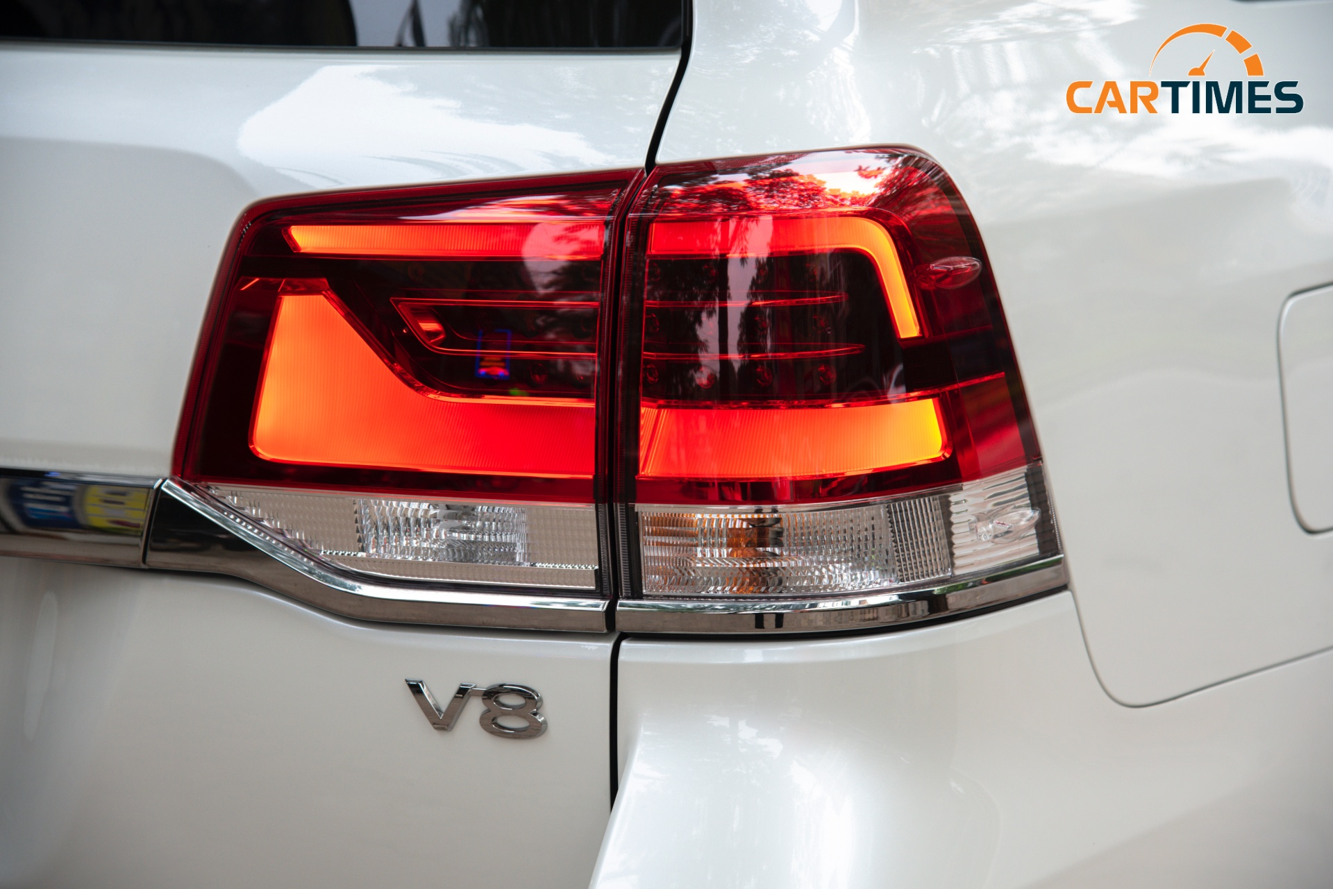 Đèn hậu xe xe Toyota Land Cruiser VXS Executive Lounge 2021