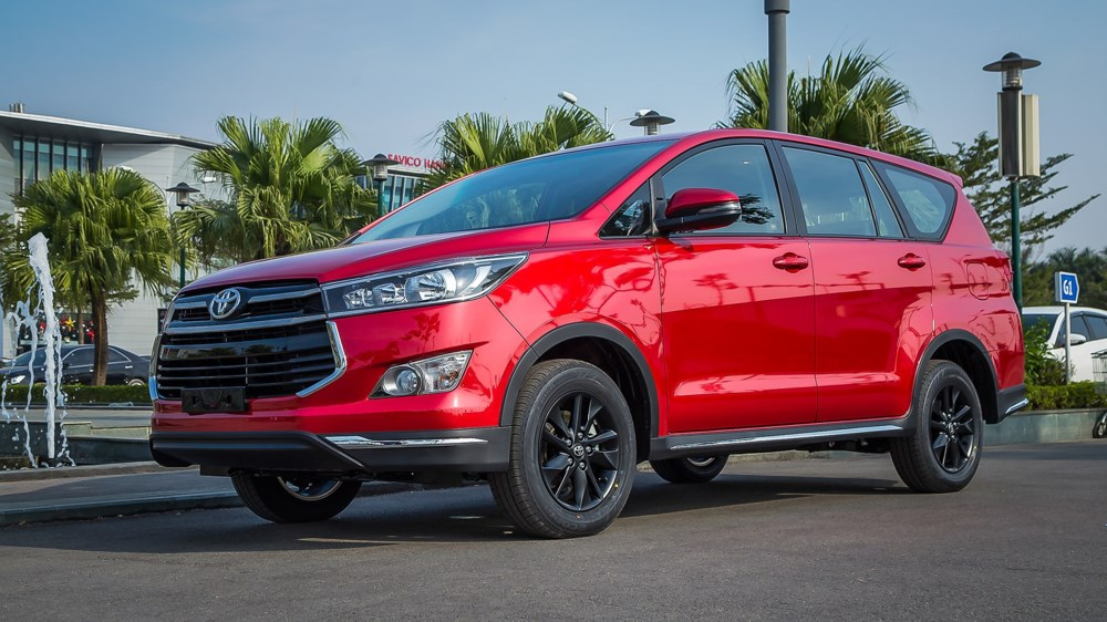 Một số mẫu xe Toyota Innova và Fortuner trong diện triệu hồi