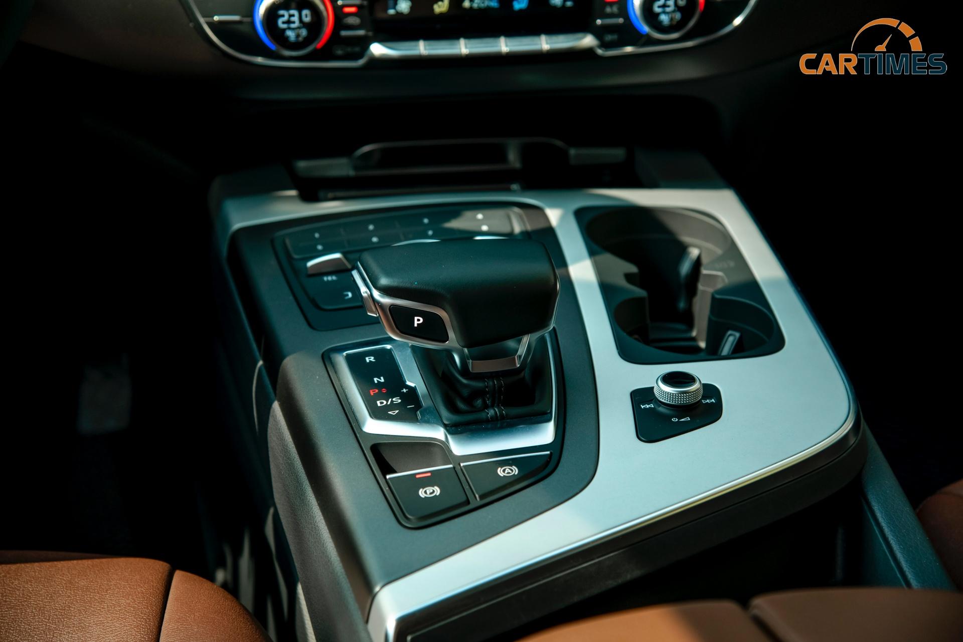 Cần số xe Audi Q7 2018