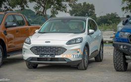"""Bắt gặp Ford Escape 2020 """"lộ thiên"""" trước giờ khai mạc Triển lãm ô tô Việt Nam 2019"""