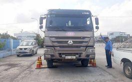 Xe chở quá tải bị phạt tối đa bao nhiêu tiền?