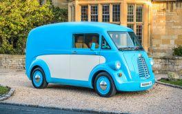 """Hàng """"độc"""" xe tải chở hàng chạy điện phiên bản hoài cổ giá đắt nhất thế giới"""