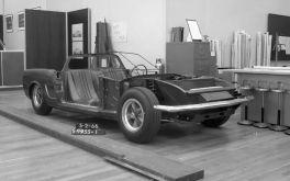 Chuyện lạ có thật: Ford hỏi người hâm mộ về một chiếc xe Mustang động cơ đặt giữa mà họ không nhớ