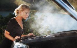 Cách xử lý khi két nước động cơ quá nóng