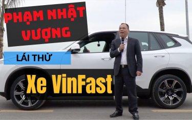 Hot: Lộ clip ông Phạm Nhật Vượng lái chiếc xe VinFast vừa xuất xưởng