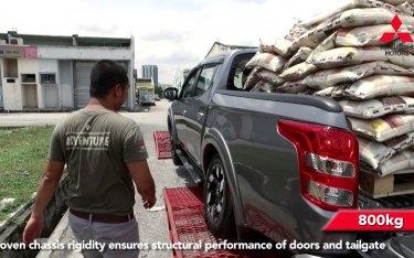 Bất ngờ với khả năng chịu tải của Mitsubishi Triton, hơn 1 tấn chưa là gì