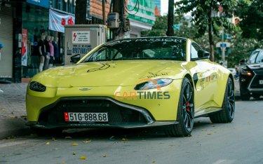 """Bắt gặp Aston Martin V8 Vantage màu """"độc"""" tại Hà Nội trước thềm Car Passion 2019"""