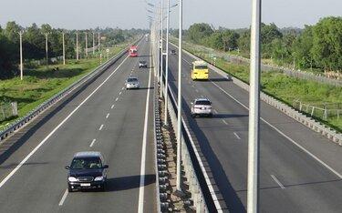 Bị xử phạt như thế nào nếu không giữ khoảng cách an toàn khi lái xe?