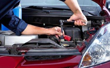 Chăm sóc và bảo dưỡng xe hơi đúng cách, điều không phải ai cũng biết